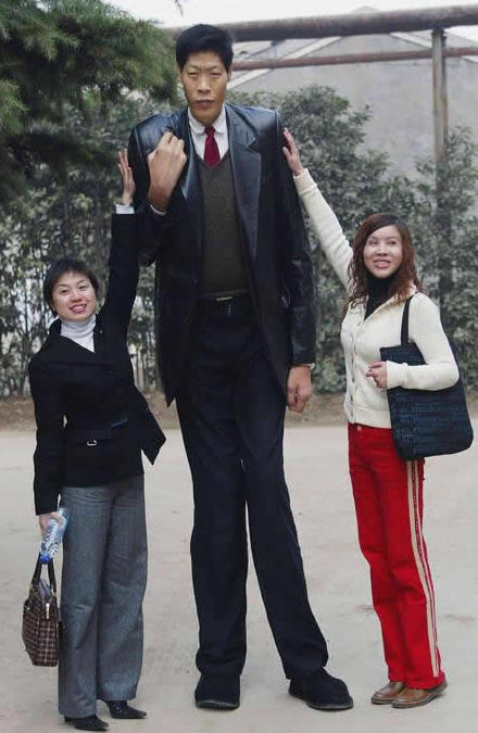 tallest man living
