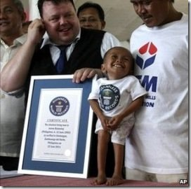 shortest-man-record
